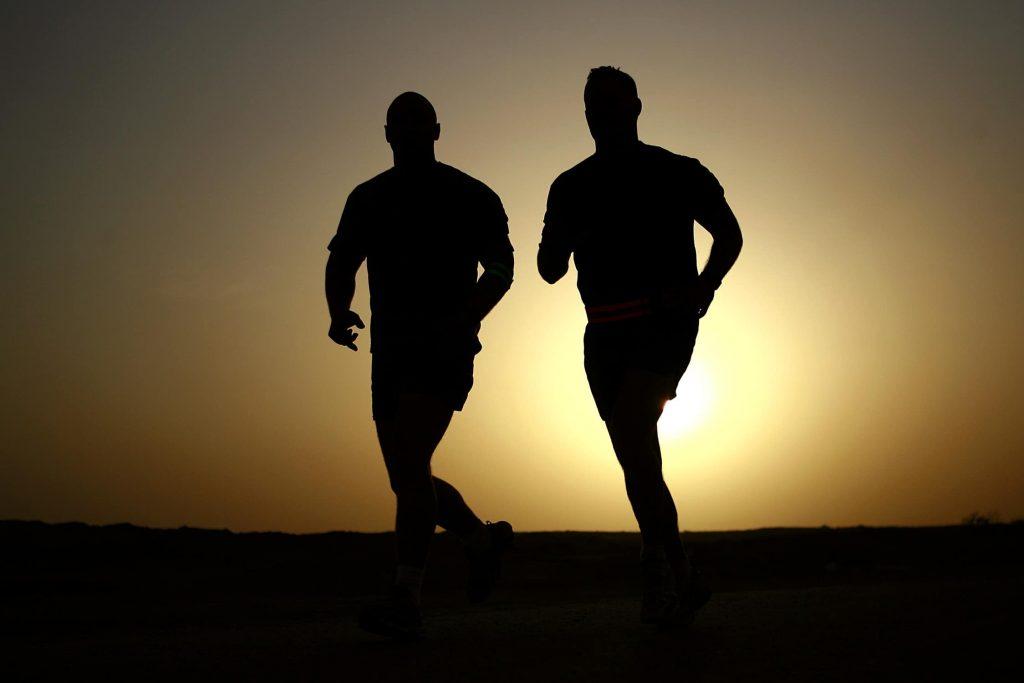 Er det lurt å være i fysisk aktivitet etter matinntak for å redusere blodsukkeret?